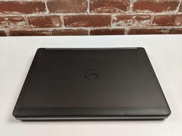 Dell 7510 - zavřený - pohled shora
