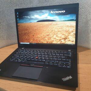 výkonný notebook