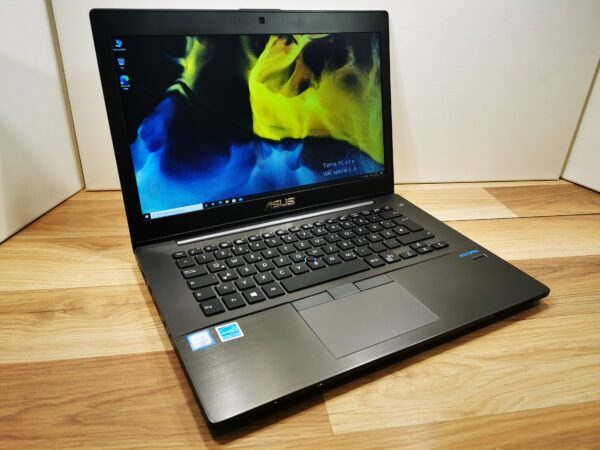 profesionální notebook kovový notebook